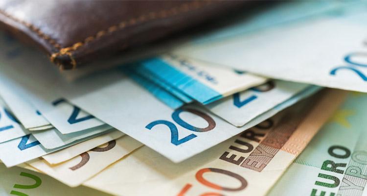 Filme ohne Geld drehen (Portemonaie mit Euro) - Bild: vlad_star