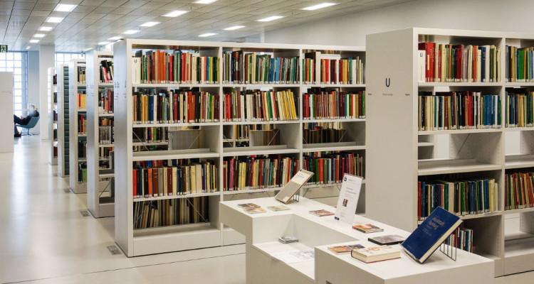 Bücherei - Filmhochschule finden